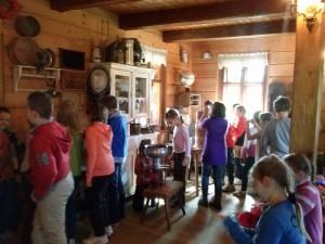 przedszkole-wycieczki-brenna-chata-chlebowa-2