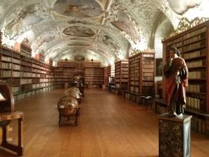 wycieczki-praga-strachov-biblioteka